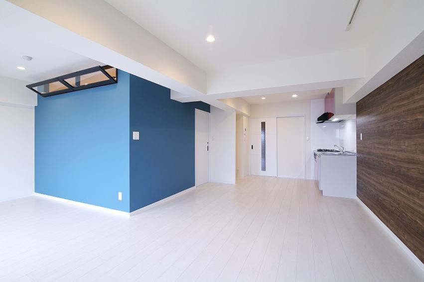 完成:リビング:1つの和室とリビング、ダイニングをLがたにつなげて約17帖のLDKに。もちろん上げ床で遮音仕様。