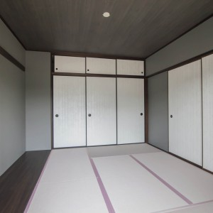 襖は日本らしい水文様。